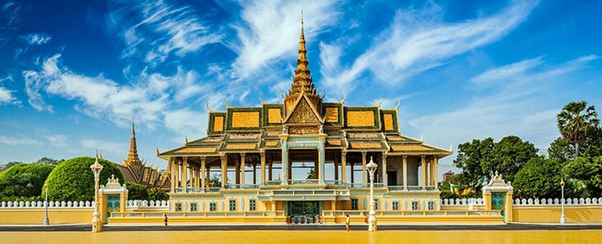 royal-palace-banner
